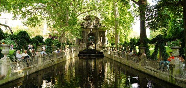 Relax in the most beautiful gardens of Paris