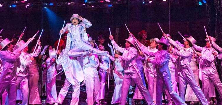 Lido, Moulin Rouge ou Crazy Horse, cabarets de légende