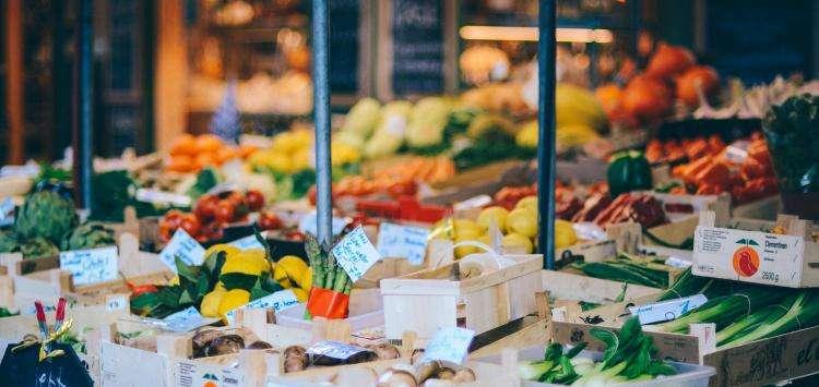Strolls in the markets of Paris
