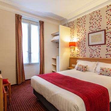 Résidence du Pré - Chambre double avec un grand lit