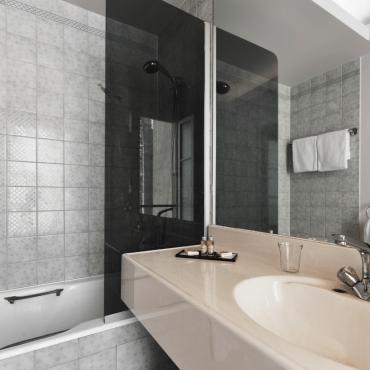 Résidence du Pré - salle de bain avec baignoire