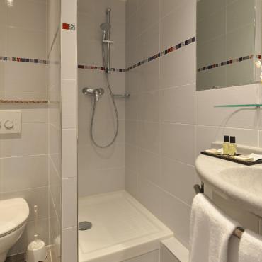 Résidence du Pré - salle de bain avec douche
